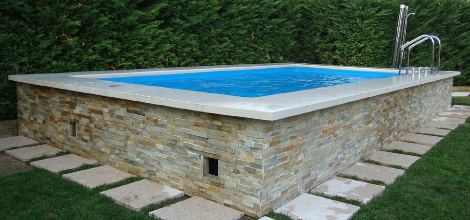Piscine seminterrate laghetto roma immagini house garden for Aufstellpool verkleiden
