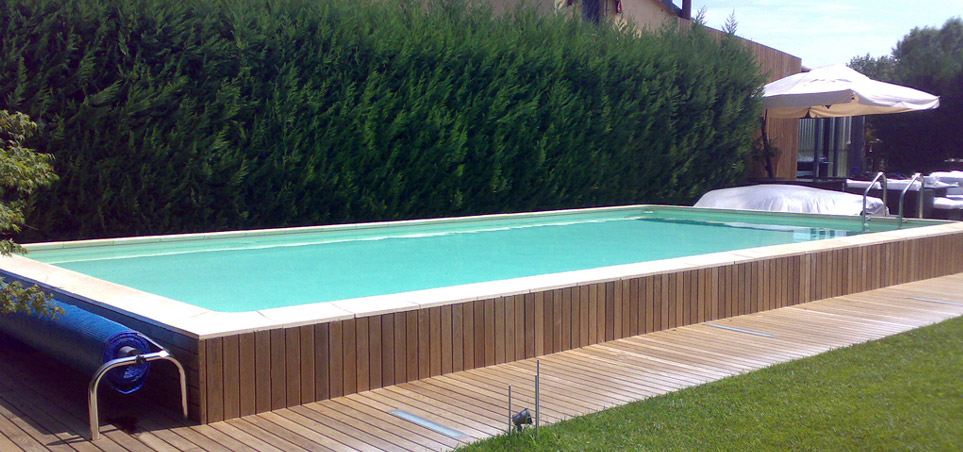 Piscine seminterrate laghetto roma immagini house garden for Piscina 5 x 10
