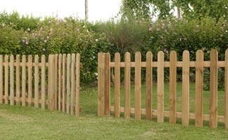 Recinzioni in legno a roma modello land - Staccionate in legno per giardini ...